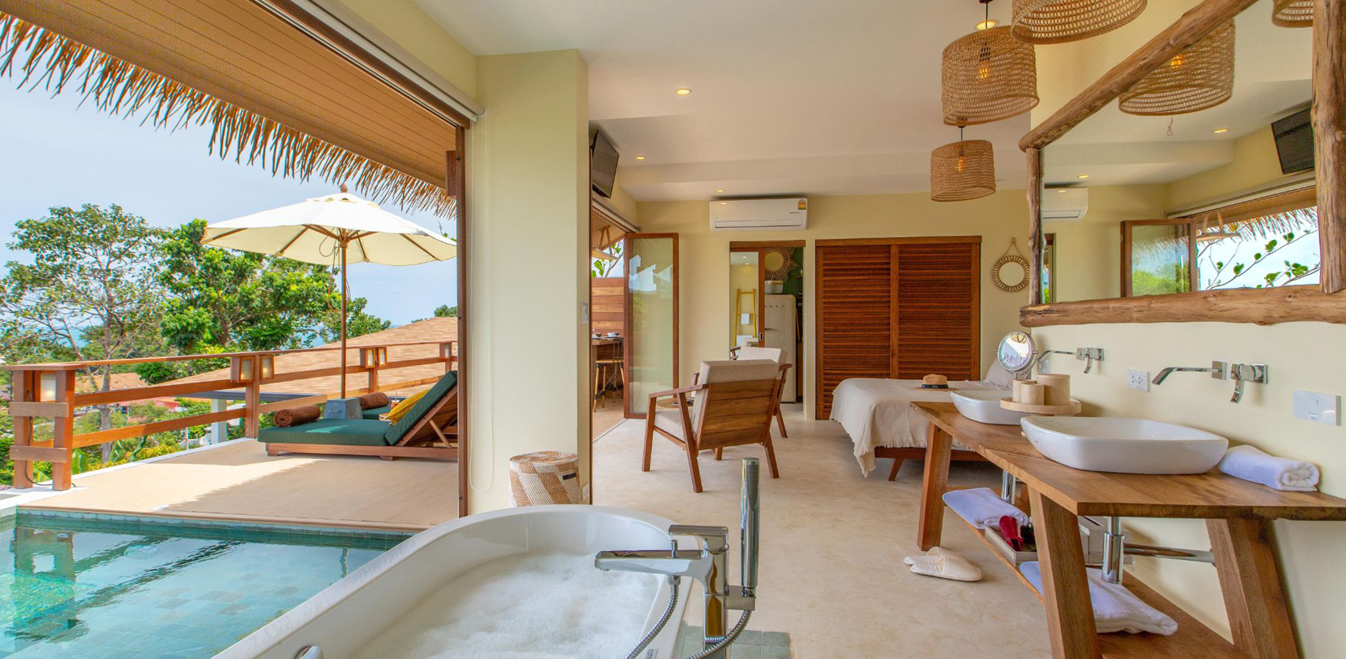 Sea View Cottage with Private Pool